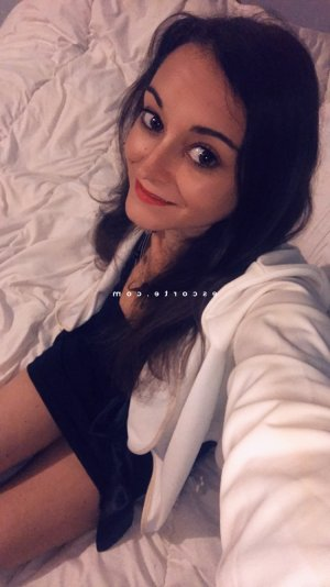 Laurenn escort girl à Noyal-sur-Vilaine